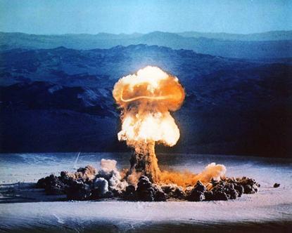 atomic_bomb_explosion_2-copy